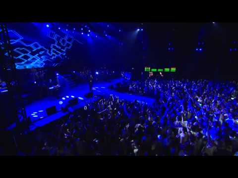 Mr. Worldwide/Hey Baby (VEVO LIVE! Carnival 2012: Salvado...