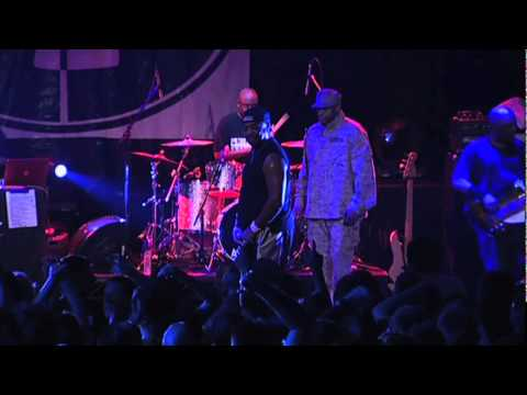 Public Enemy - Black Steel In The Hour Of Chaos (Live)