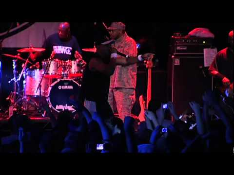 Public Enemy - Bring The Noise (Live)