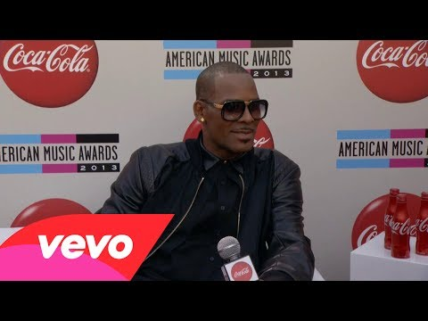 R. Kelly - Red Carpet Interview (2013 AMAs)