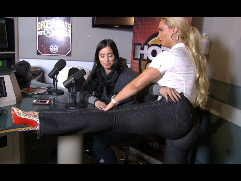 Coco Shows Laura Stylez her sexy workout routine